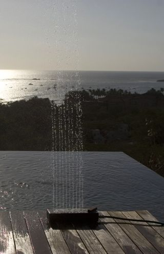 Modern-outdoor-shower-wellwell-tradewinds