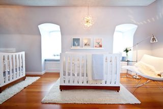 Modern-baby-nursery-ideas-colors-triplets-organizing