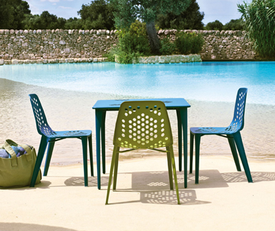 Coalesse-outdoor-table-and-chairs